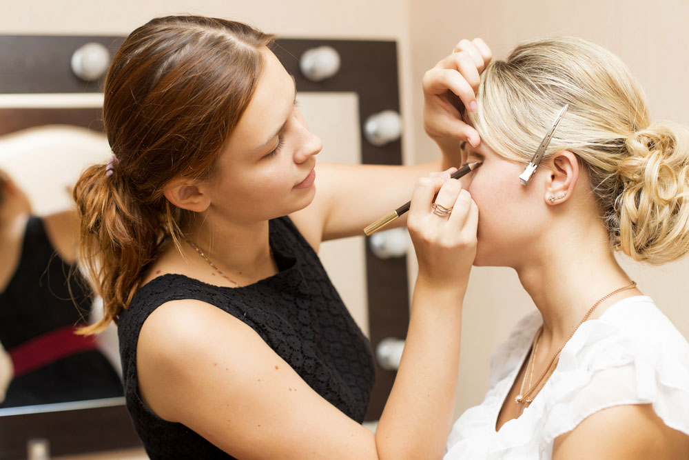 2021 Prom Makeup Cost Guide With Local