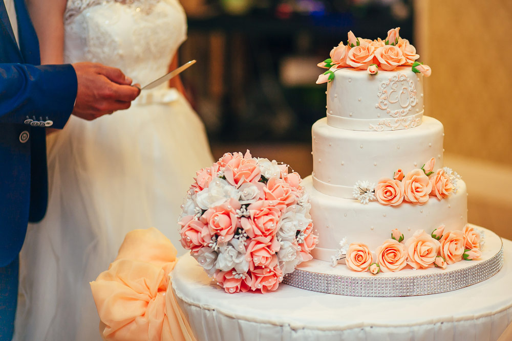 2020 Wedding Cake Prices Guide Designs Flavors Layers Fash
